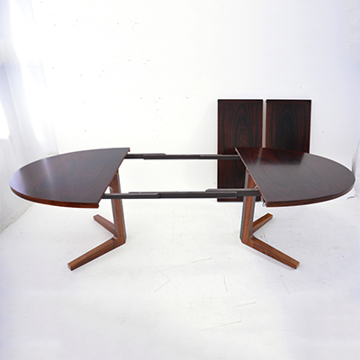 rosewood-dining-table-with-2-extra-leaves-danish-design